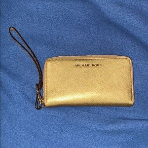 GENTLY USED MICHAEL KORS Wallet